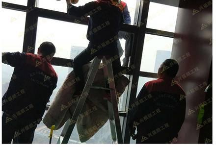 高樓玻璃安裝案例