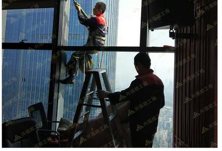 高空幕墙玻璃施工维修